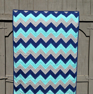 20+ Easy Chevron Quilt Patterns | FaveQuilts.com : chevron quilt - Adamdwight.com