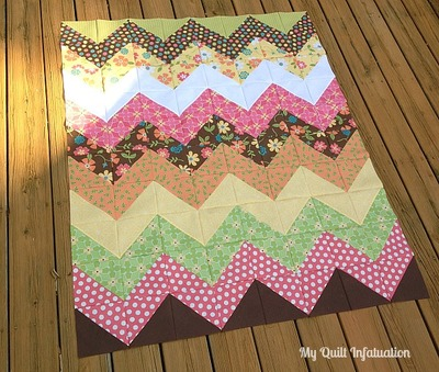 Easy Peasy Chevron Quilt Pattern | FaveQuilts.com : chevron quilts patterns - Adamdwight.com