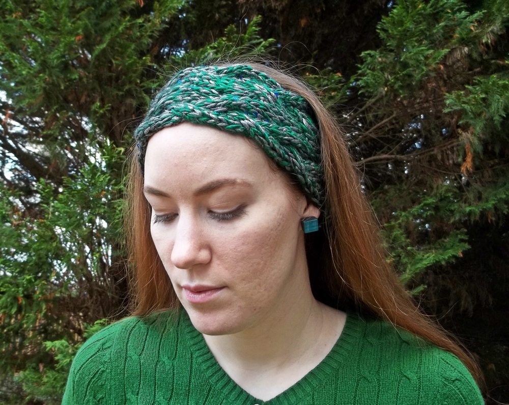 Free Knitting Pattern Chunky Headband : Braided Cable Headband AllFreeKnitting.com
