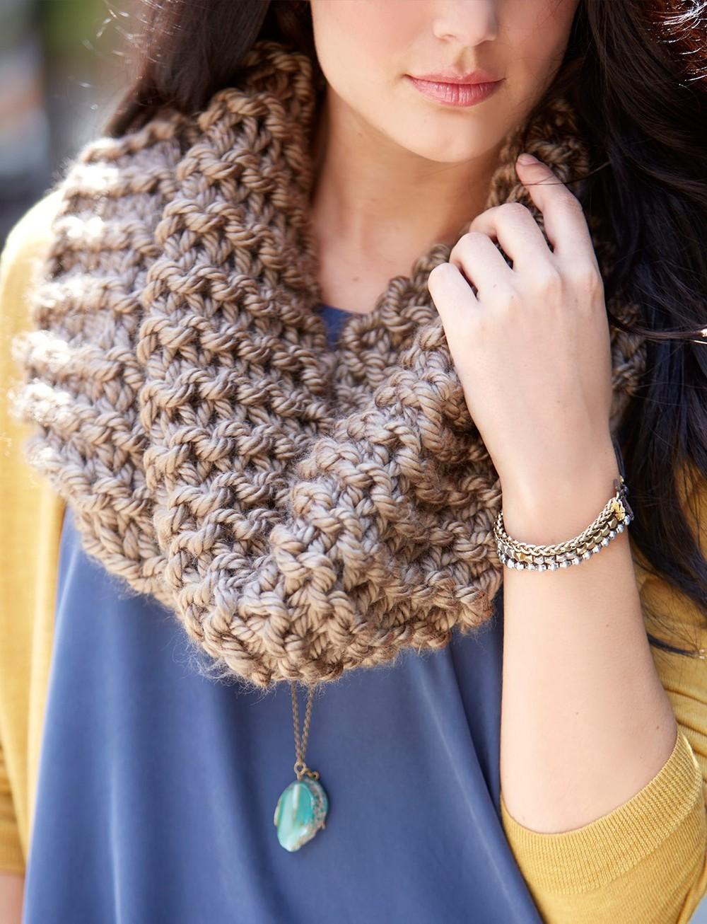 Knit Scarf Pattern Large Needles : Simply Garter Cowl AllFreeKnitting.com