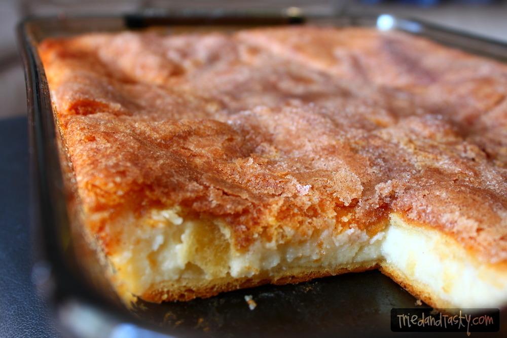 Sopapilla Cheesecake Bars | RecipeLion.com