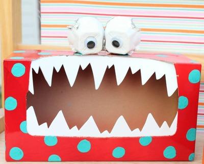 Schön Silly Monster Valentine Box