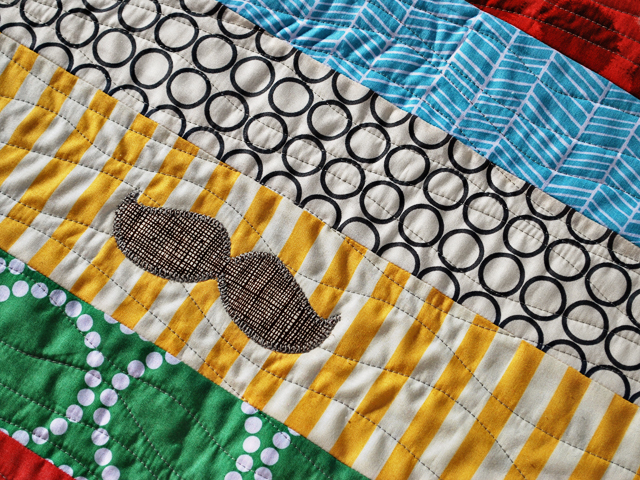 32 Free Quilting Designs for Machine Quilting | FaveQuilts.com : free quilting designs for machine quilting - Adamdwight.com