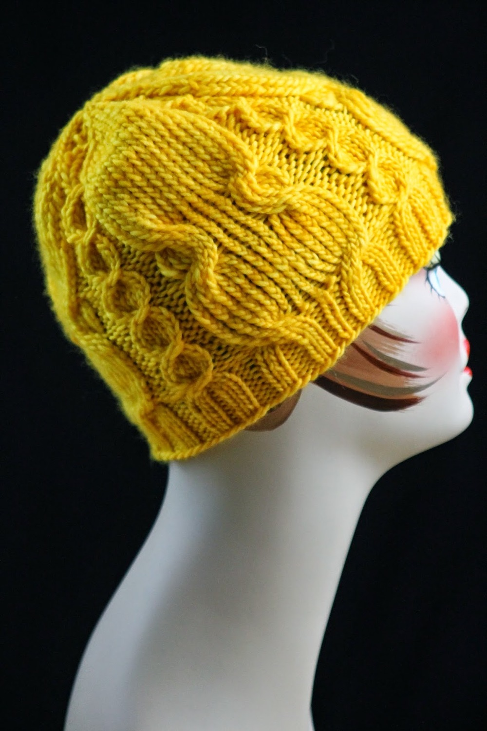 Twisted Knit Stitch Round Loom : Twisted Cable Knit Hat AllFreeKnitting.com