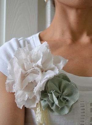 Statement DIY Fabric Flowers