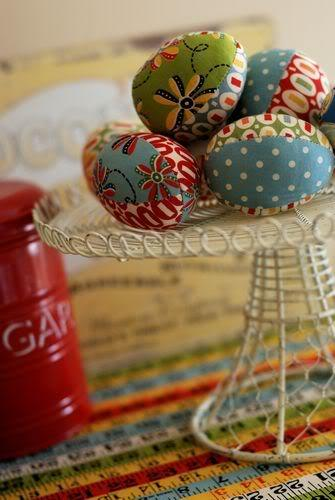 22 easter projects to sew allfreesewing fabric easter egg tutorial negle Images