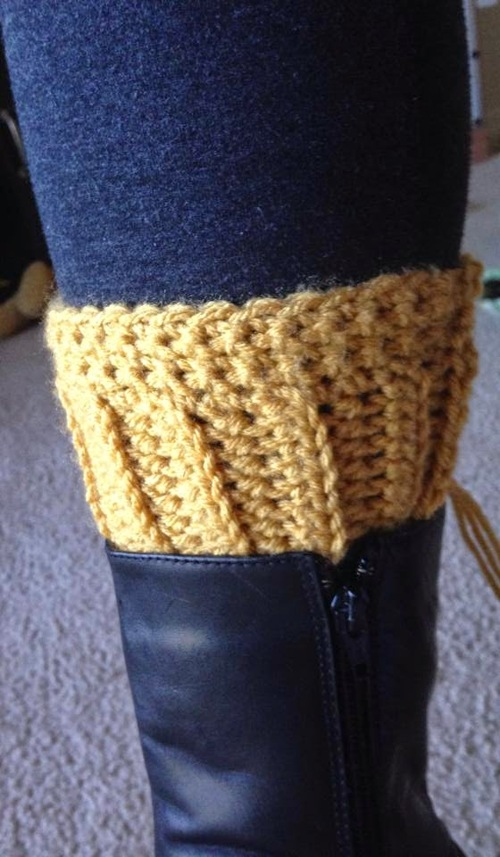 Peekaboo Boot Cuffs Free Crochet Pattern