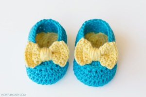 Yellow Bow Easy Crochet Baby Booties