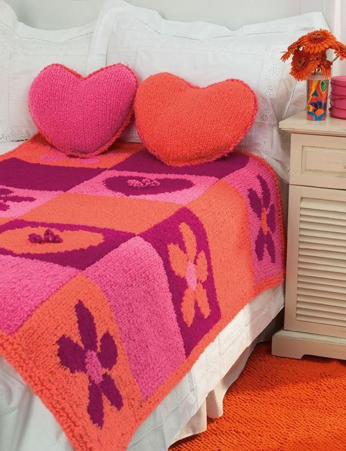 Attractive Knitted Flowers And Hearts Bed Set