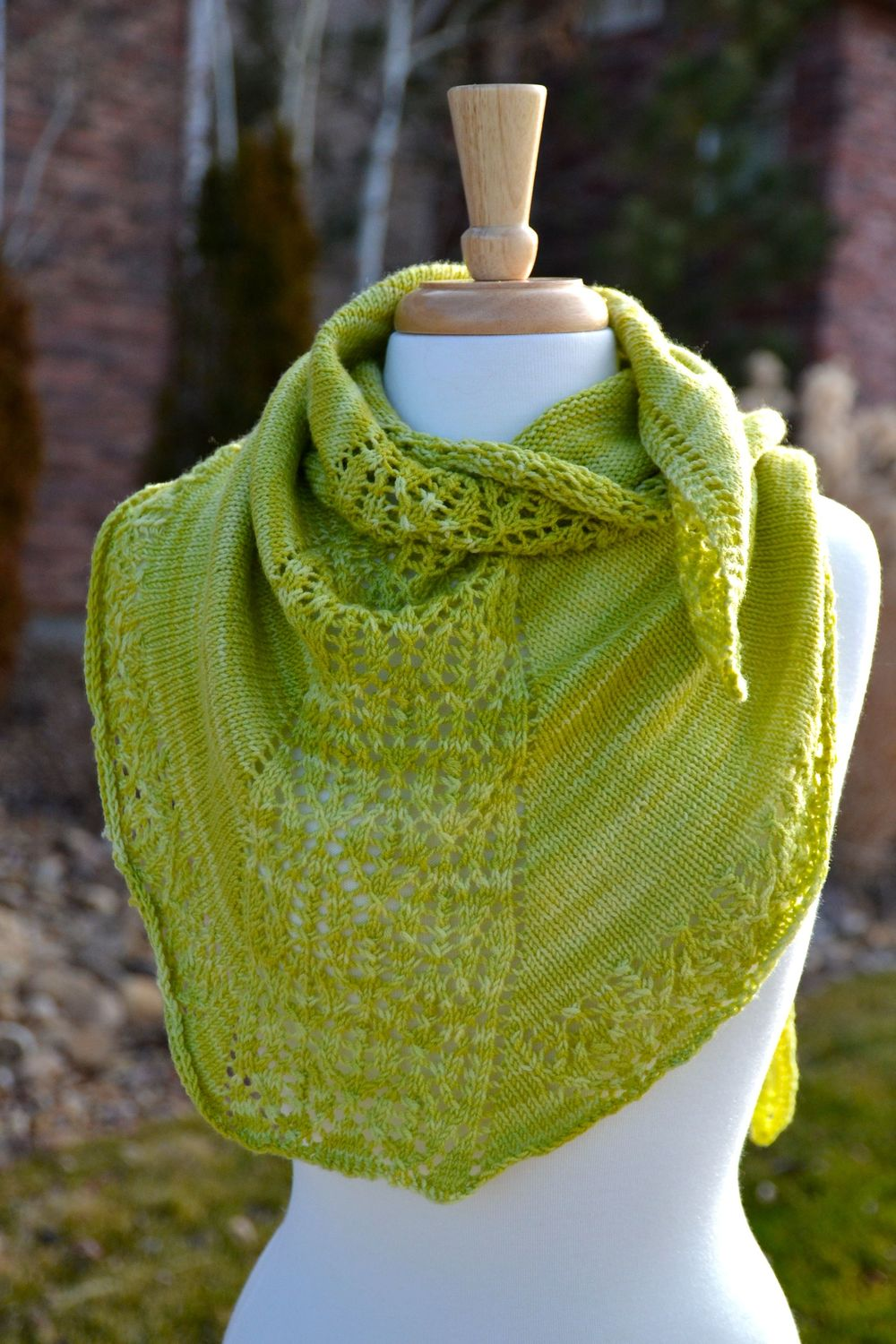 Knit pear sorbet shawlette for Fave crafts knitting patterns
