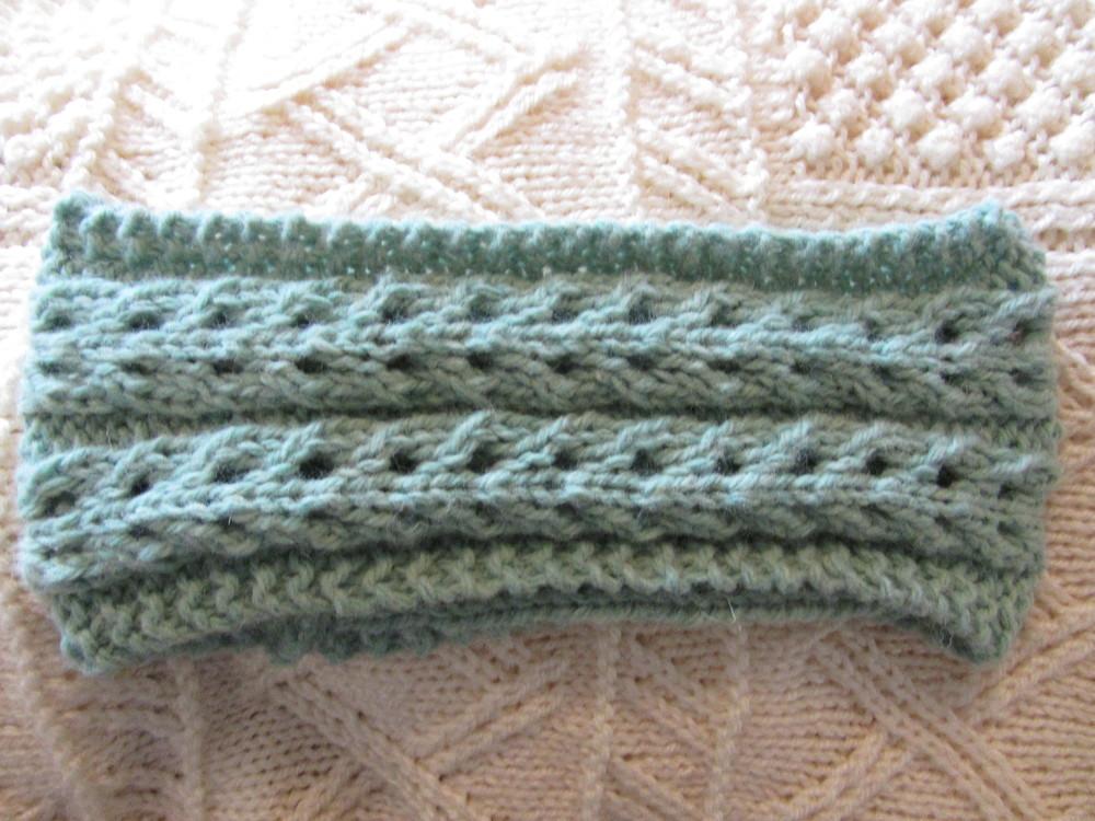 Lace Headband Knitting Pattern Free : Angelic Lace Headband AllFreeKnitting.com