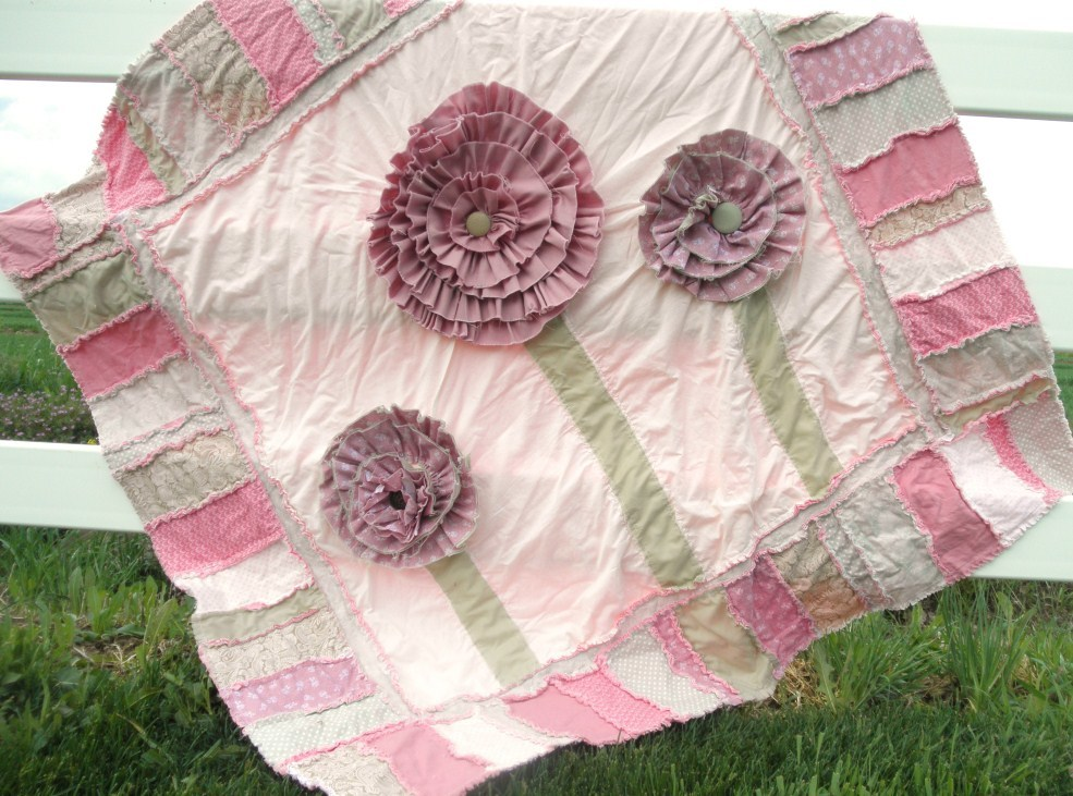 Blooming Rag Quilt Pattern Favequilts Com