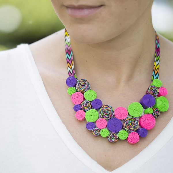 Duck tape diy necklace for Duck tape craft ideas