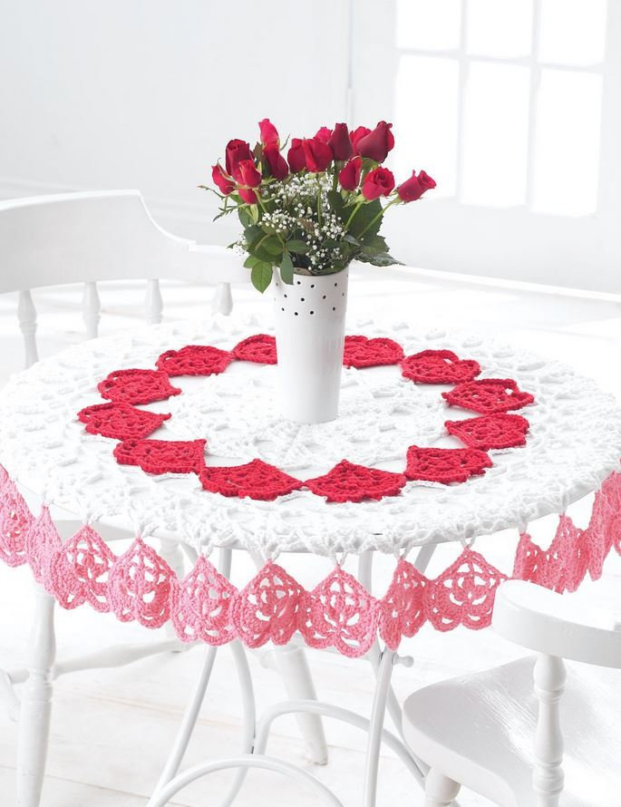 Tender Hearts Crochet Tablecloth Allfreediyweddings