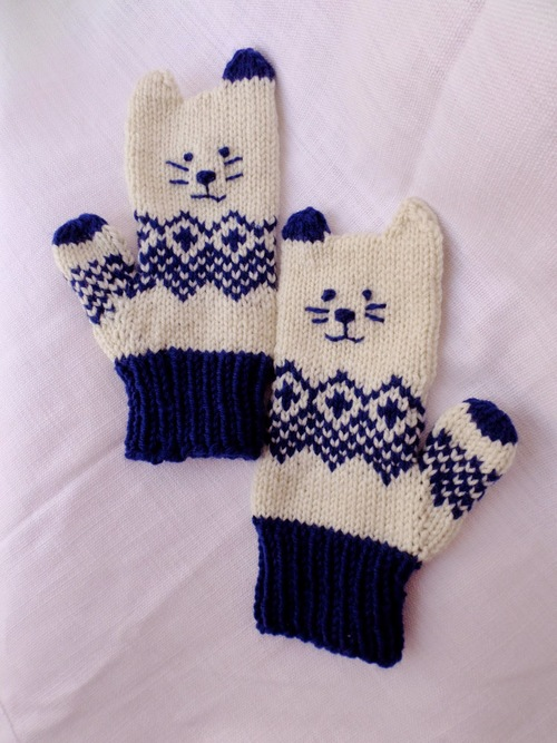 Insanely Adorable Kitten Mittens