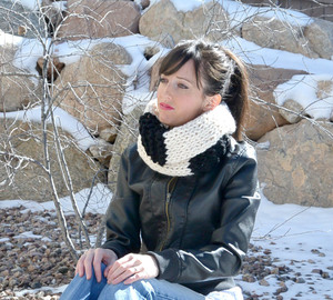 Black and White Infinity Scarf Knitting Pattern