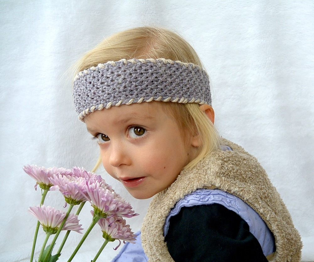 Loom Knitting Pattern Headband : Easy Seed Stitch Light Headband AllFreeKnitting.com