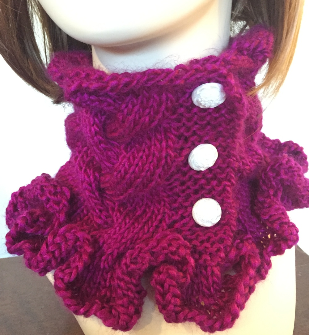 59 free scarf knitting patterns favecrafts raspberry ruffles cowl knitting pattern bankloansurffo Image collections