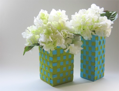 Weave vases from milk cartons for Christmas crafts with milk cartons