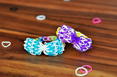 Beautiful Bow Rainbow Loom Bracelets