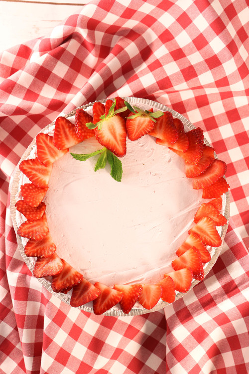3-Ingredient Yogurt Pie