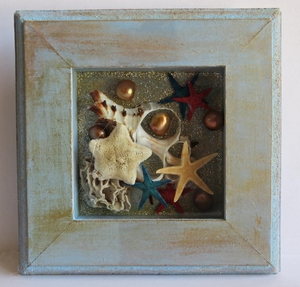 Glitter and Shells Shadow Box Craft