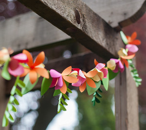 Gorgeous Paper Flower Garland