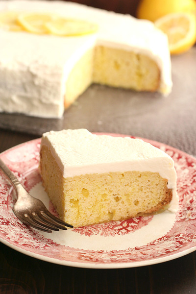 Slow Cooker Lemon Poke Cake