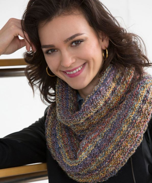 The Easiest Elegant Infinity Scarf Allfreeknitting