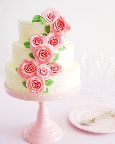 Climbing Roses DIY Wedding Cake | AllFreeDIYWeddings.com