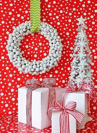 Winter Wonder Holiday Wreath