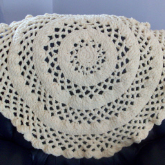Round and Lacy Baby Blanket