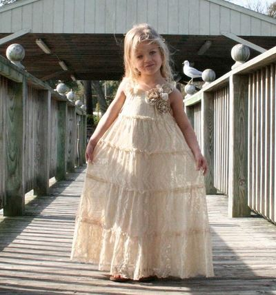 Beautiful vintage flower girl dress allfreediyweddings beautiful vintage flower girl dress mightylinksfo