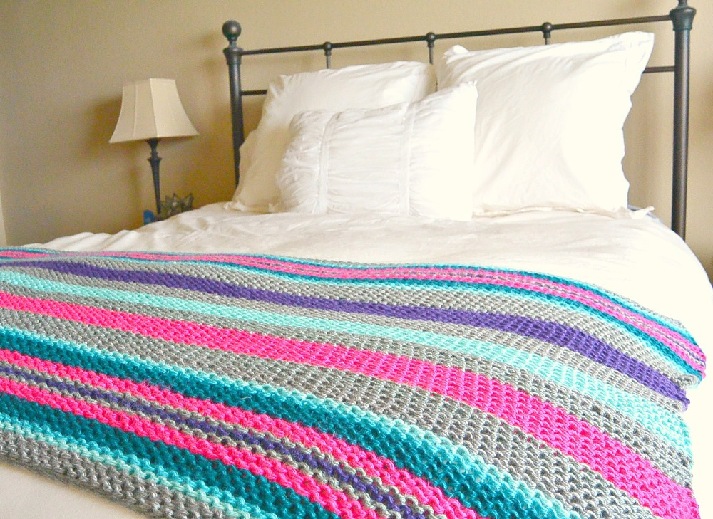 27 Bulky Knit Afghan Patterns | FaveCrafts.com