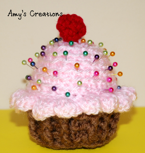 Adorable Cupcake Pincushion Allfreecrochet