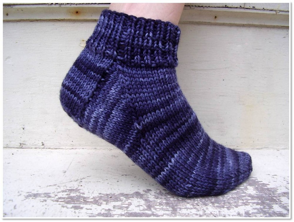 Sock Knitting Pattern For Beginners : Easy Peasy Socks AllFreeKnitting.com