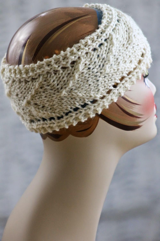 Knitting Patterns For Beginners Headband : Arrow Design Headband AllFreeKnitting.com