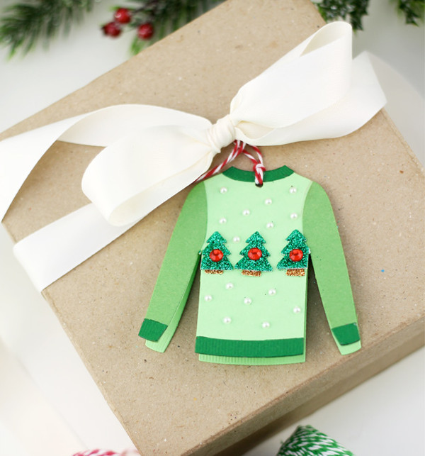 DIY Ugly Sweater Holiday Gift Tags | AllFreePaperCrafts.com