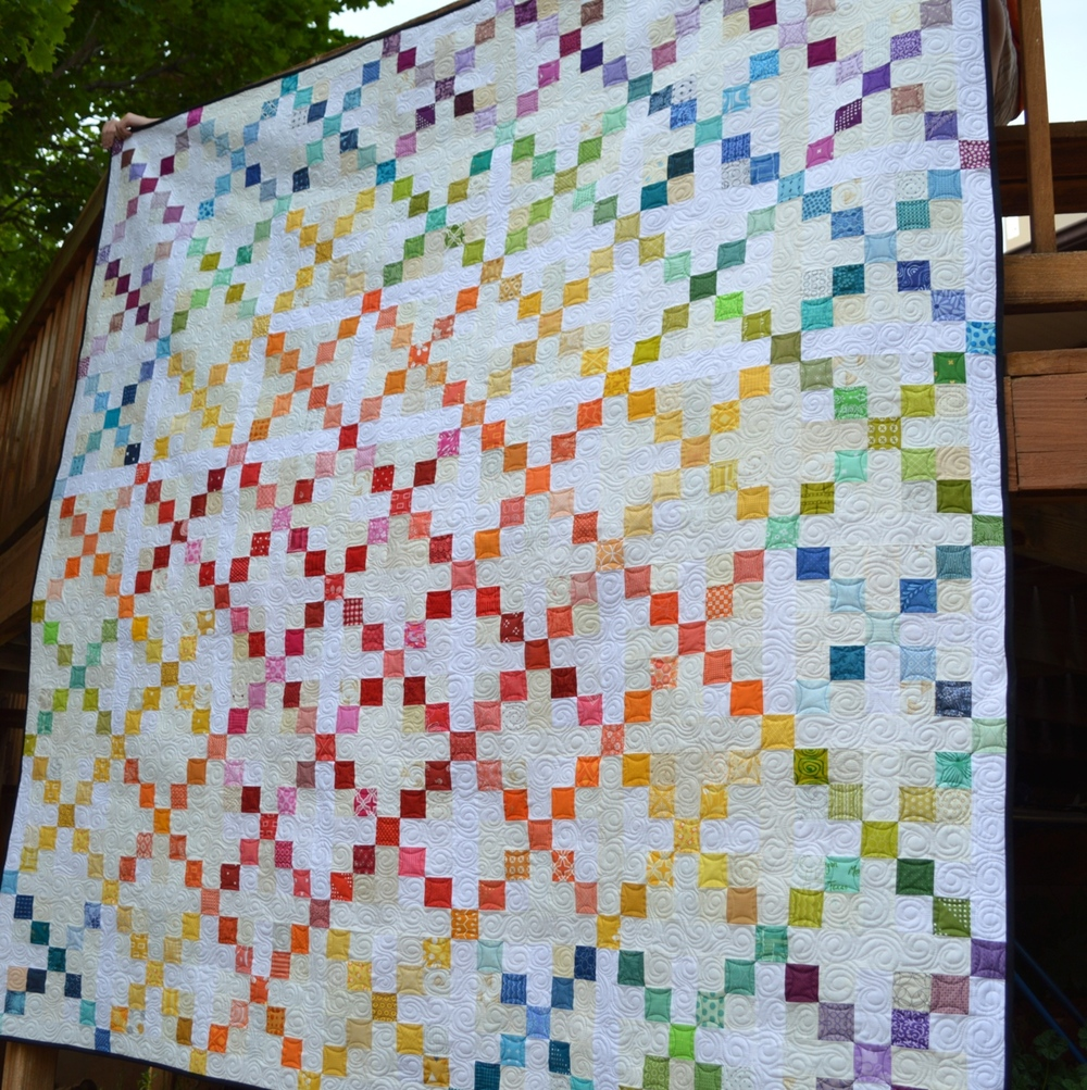 15 Irish Chain Quilt Patterns (Free Tutorials) | FaveQuilts.com : daisy chain quilt pattern - Adamdwight.com