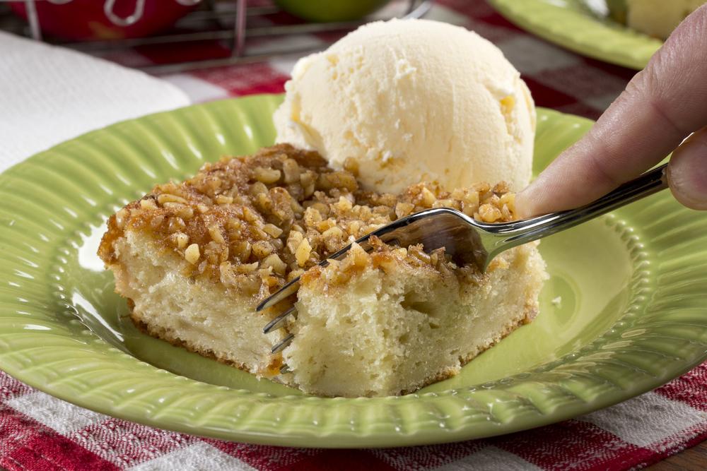 Apple Pie Dump Cake Mrfood Com