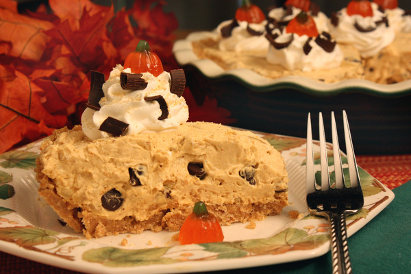 Pumpkin Crunch Cream Pie