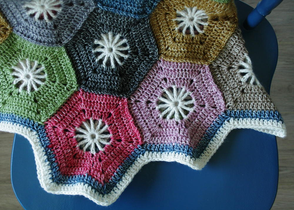 Adorable Hexagon Blanket Allfreecrochet