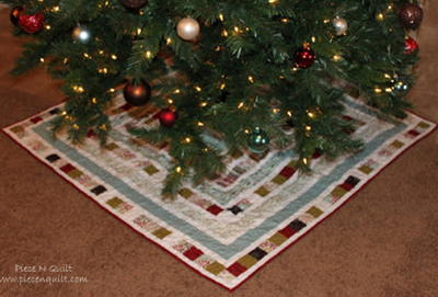 Quilted diy christmas tree skirt allfreesewing quilted diy christmas tree skirt solutioingenieria Image collections