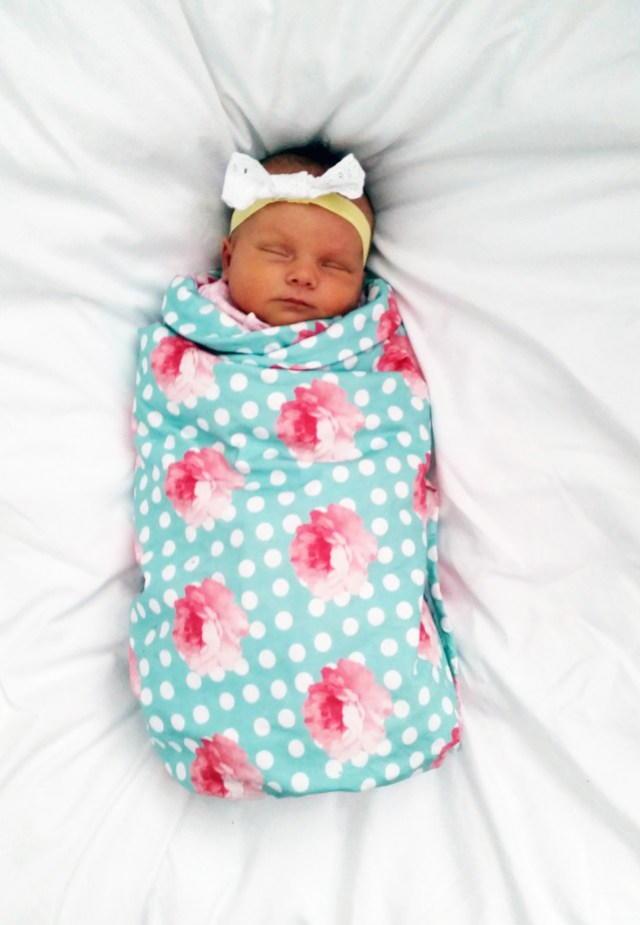 Sew easy baby blanket tutorial allfreesewing