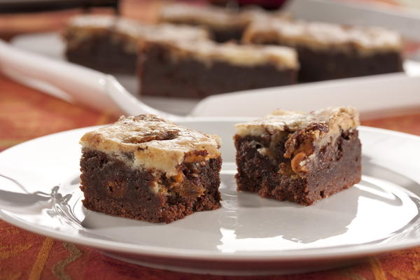 Fudge Cheesecake Bars