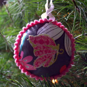 Easy Applique Christmas Ornaments