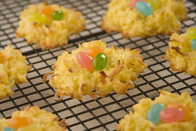 25 easy easter dessert recipes mrfood cute easter desserts like these cookies might just be too adorable to eat topping off your easter dinner menu with an easter dessert idea as cute as these forumfinder Choice Image