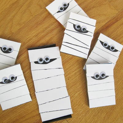 12 Phenomenal Construction Paper Crafts Favecrafts