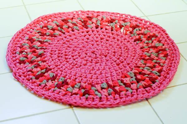 Pretty Pink Diy Crochet Rug Allfreecrochet
