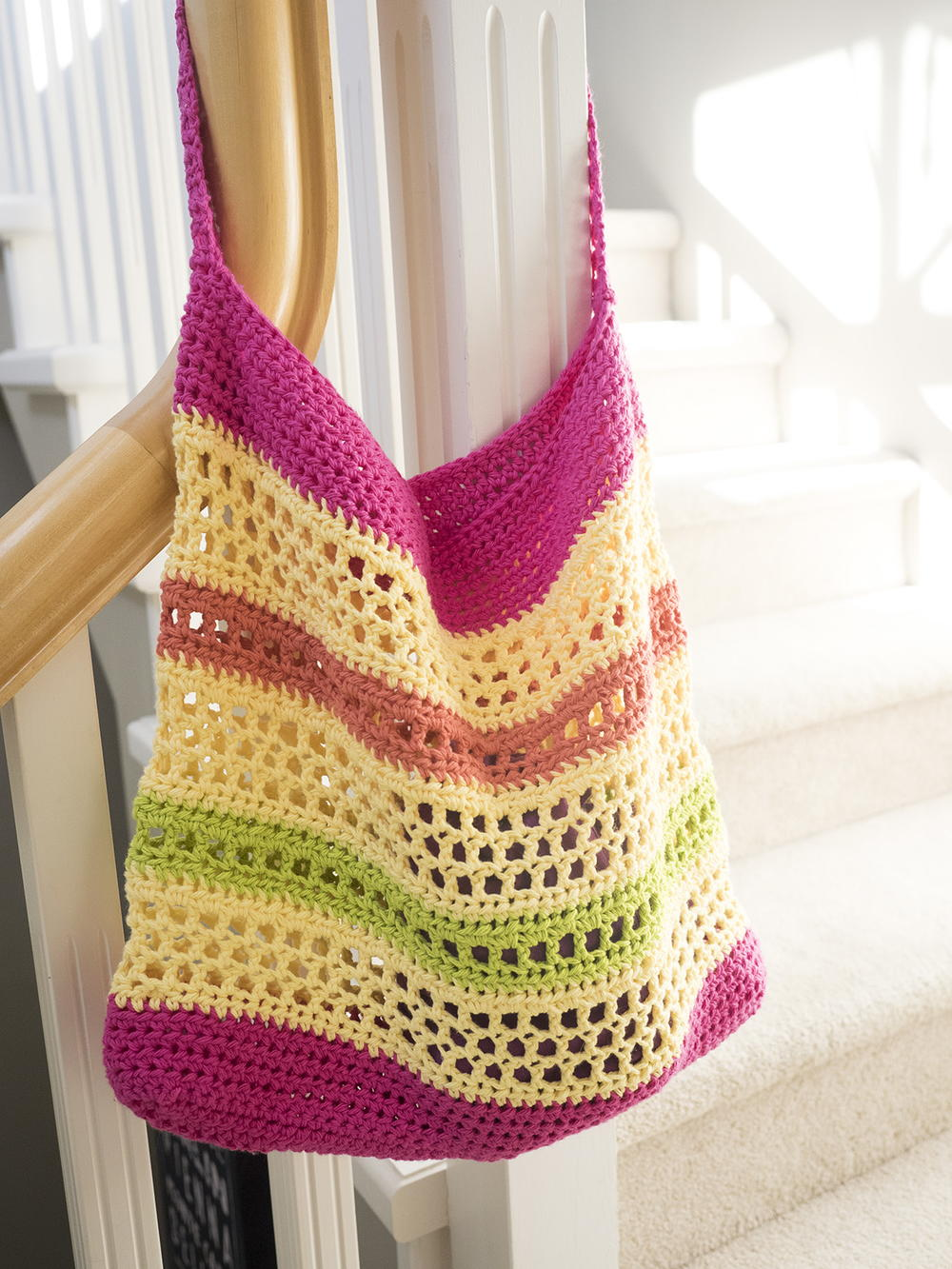 Beginner Crochet Tote Bag Pattern : Crochet Beach Tote Bag AllFreeCrochet.com